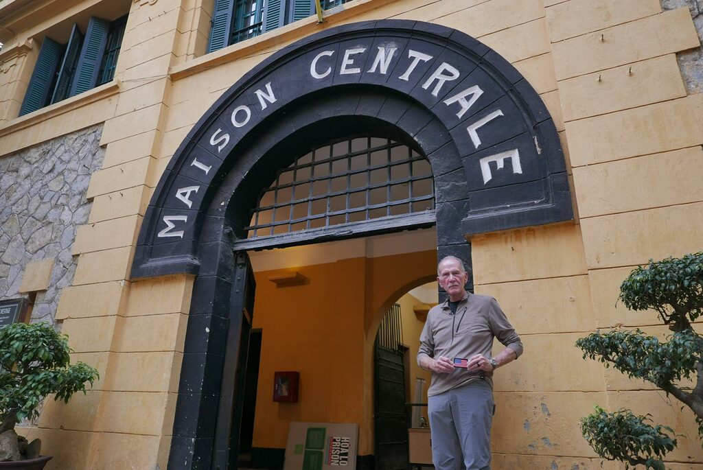 Back in Vietnam - 001: The Hanoi Hilton