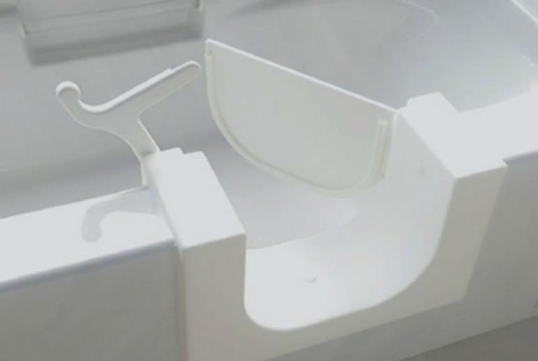 Need Easier Access into the Bathtub? Consider a Bathtub Conversion Kit