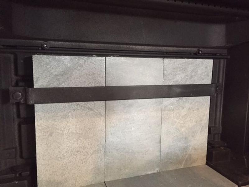 HearthStone Clydesdale Rear Brick Retainer