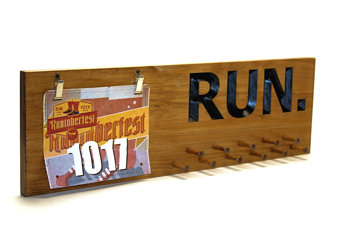 MARATHON MEDAL DISPLAY - RUNNING MEDALS AND RACE BIBS HOLDER - RUNNING MEDALS AND RACE BIBS HANGER