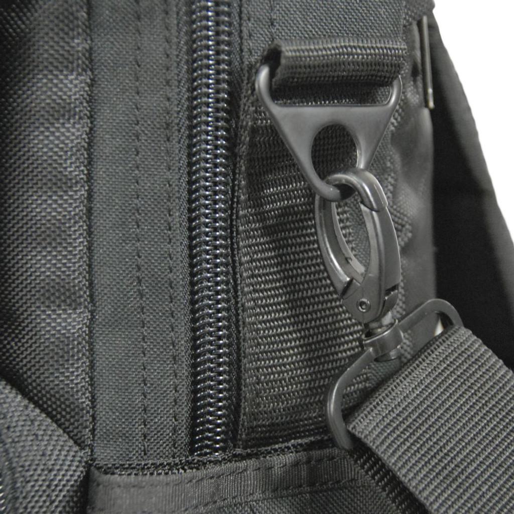 Detachable shoulder strap