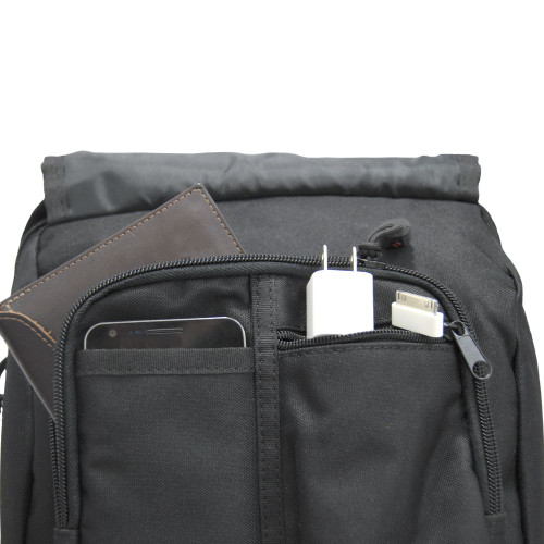 Front organizer with 5 pockets