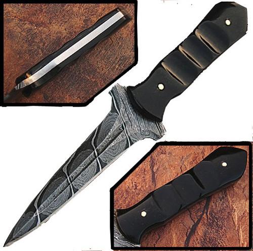 Custom Made Damascus Steel Hunting Knife (Buffalo Horn Handle)