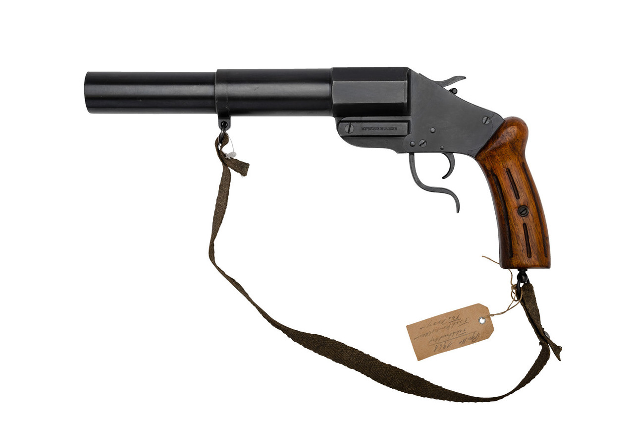 Swiss military 34mm flare gun, model M17/38, with wood grips.