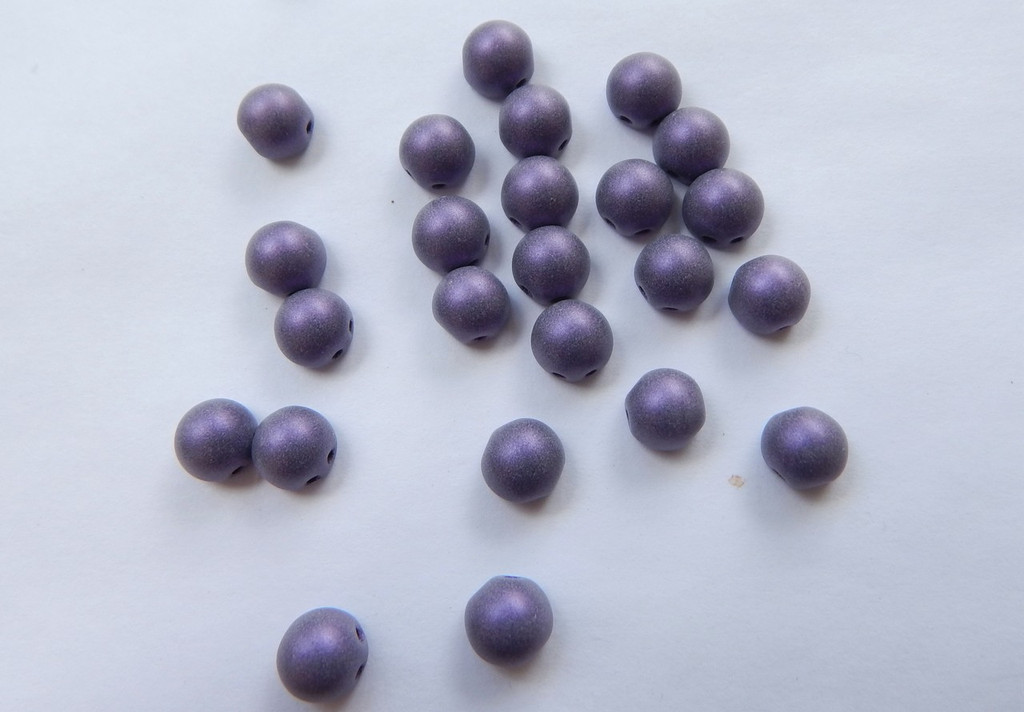 Cabochon 7mm 2-Hole Metallic Suede Purple (25 beads)