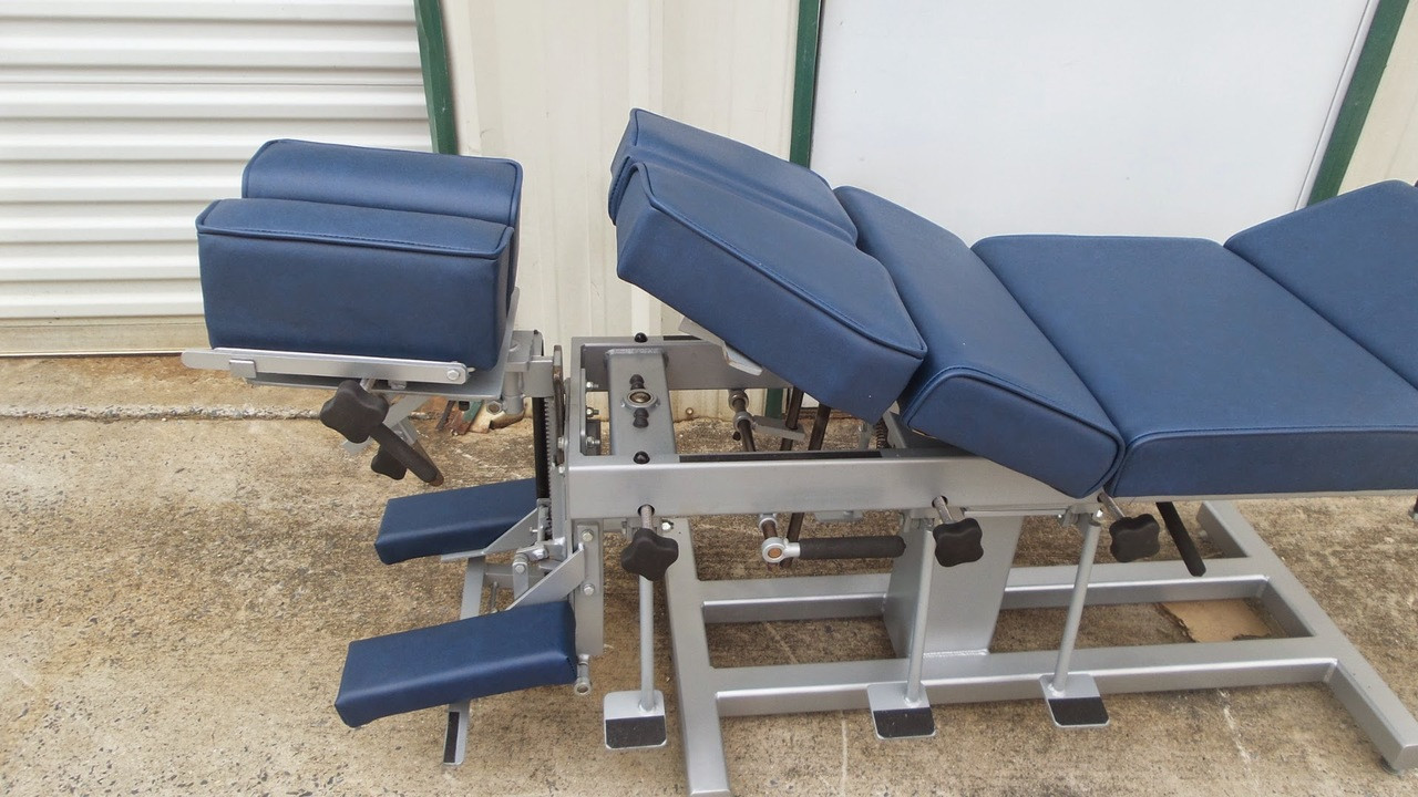 Used Omni Stationary Table 24 Inches Tall