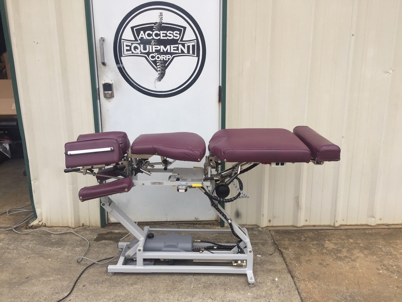 Used Lloyd 402 Manual Flexion Elevation Table with Deluxe Cervical & Pelvic Drop
