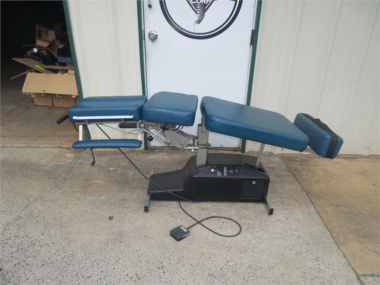 Used Leander Stationary Auto Flexion Table
