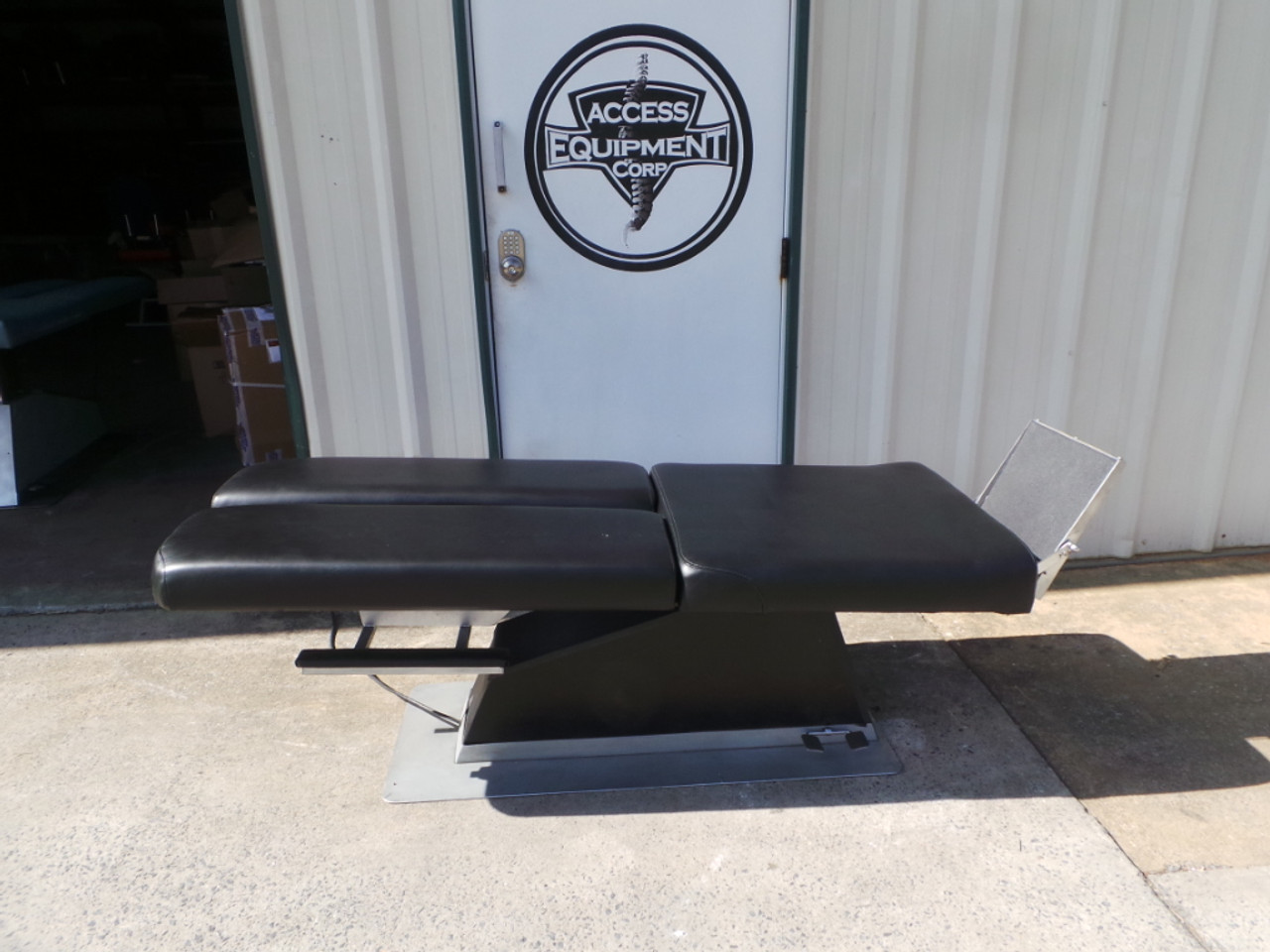 Used KYRO MFG Activator Hylo & Elevation Table-Manual Foot Board