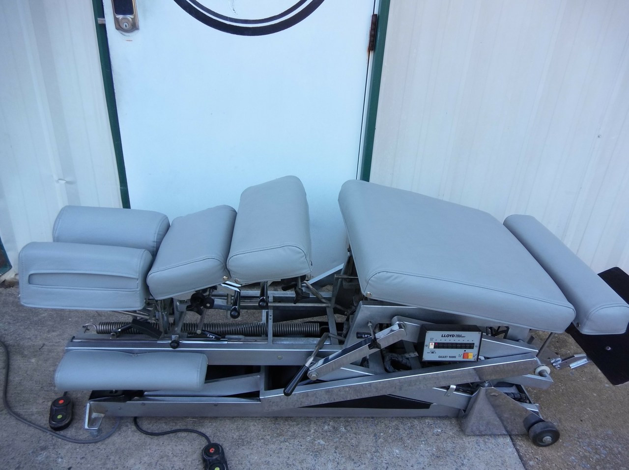 Lloyd Galaxy 900 HS Hylo & Elevation Table with 5 Manual Drops - Elevating Chest & Pevic