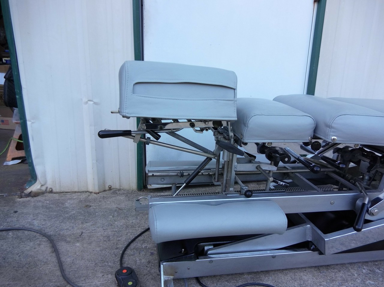 Lloyd Galaxy 900 HS Hylo & Elevation Table with 5 Manual Drops - Elevation Cervical