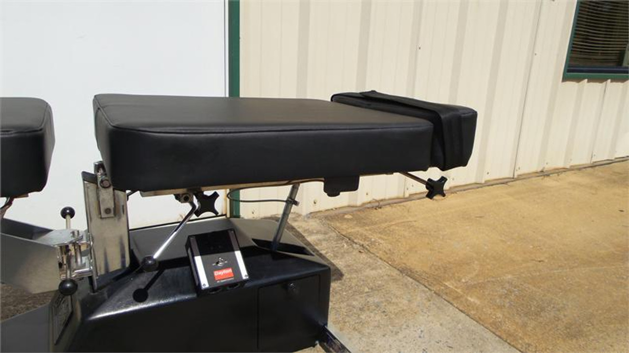 Used Leander Auto Flexion Table ON -Off Toggle switch, Adjustable Flexion Depth Mechlock,adjustable Ankle length & Ankle Strap