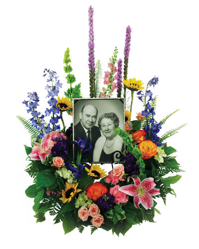 Loving Garden Photo Frame Wreath