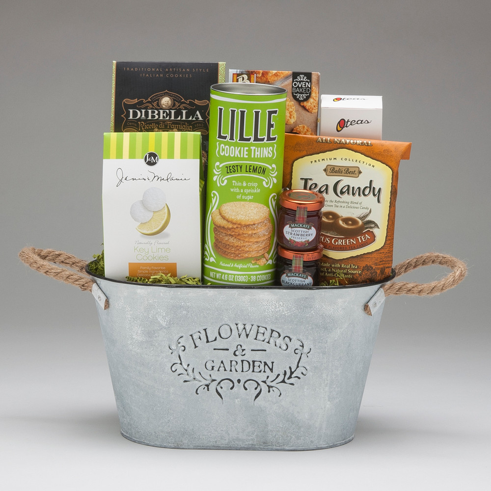 This gift basket is an altogether lovely selection of cookies, crackers, jam & tea. O Teas is a UK based company that expertly blends the highest quality ingredients, sourced from around the world, and uses pyramid shaped teabags to maximize their infusion. This is tea worth drinking!