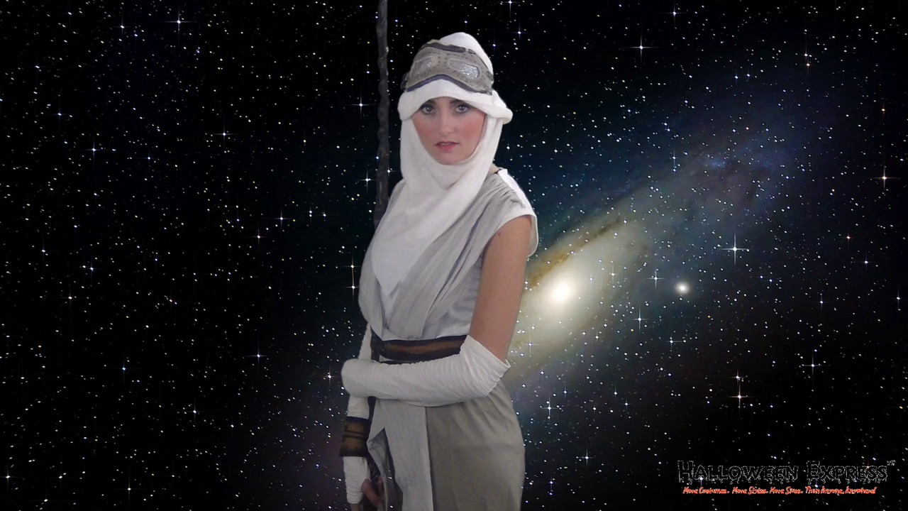 How to Create a Star Wars Rey Costume Look