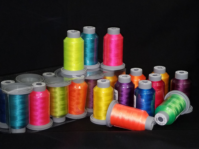 Bright Collection of 12 Glide Spools, 40wt Thread