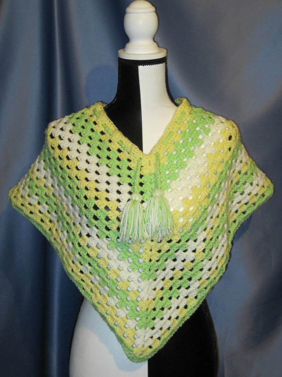 Granny Stitch Poncho in Light Green and Yellow (Toddler