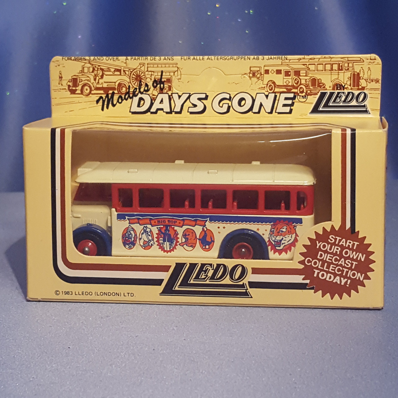 1930's Single Deck Bus - Big Top Circus - Models of Day