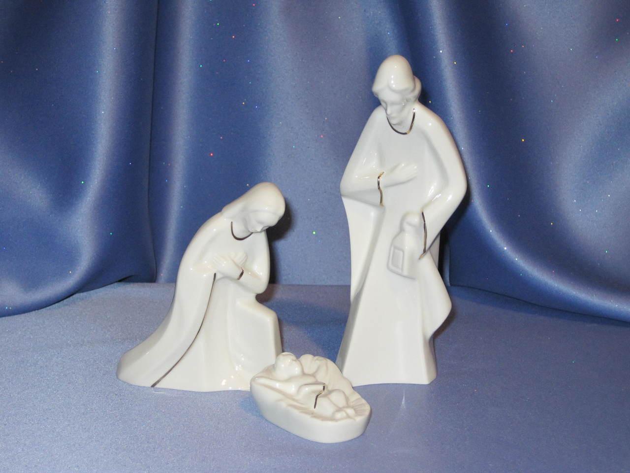 Holy Night Nativity - Mary and Joseph with baby Jesus b
