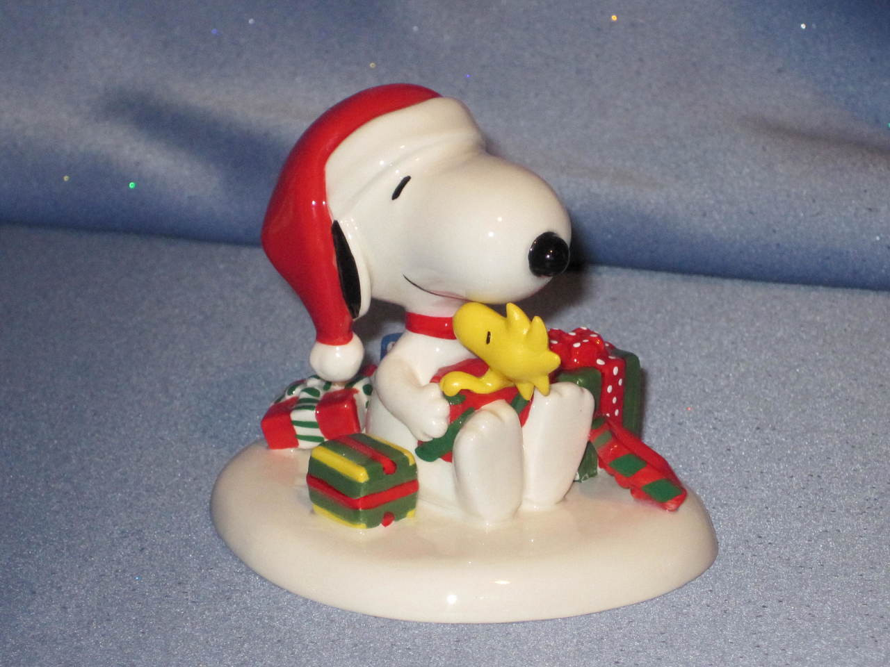 Snoopy and Woodstock Figurine by Peanuts.