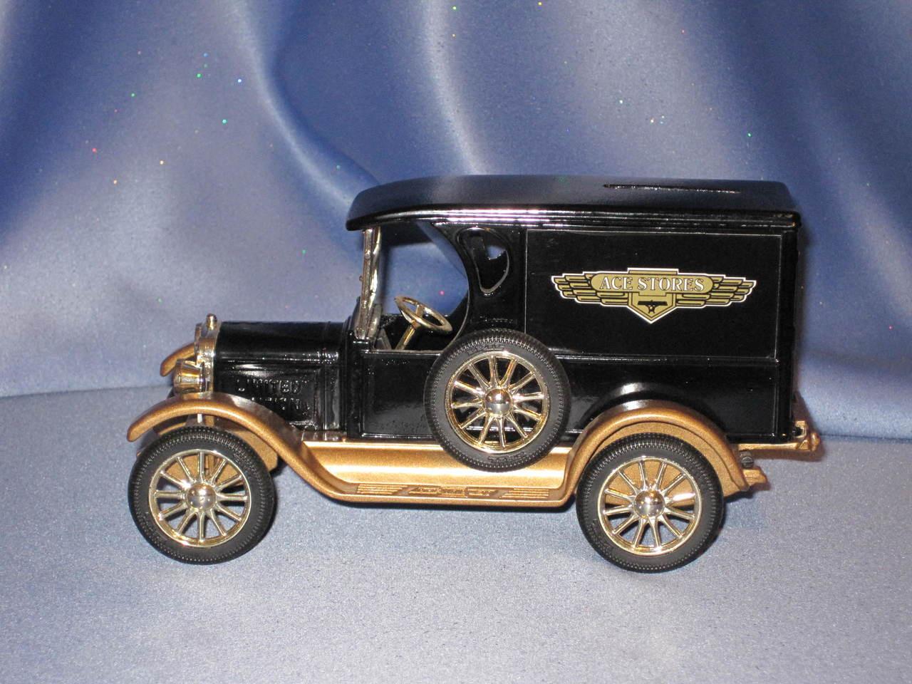 Ertl Ace Hardware Vintage Chevrolet Delivery Van Bank.