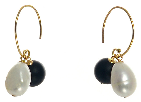 """Dolomiti Earrings - Pearl Earrings, Gold plate over Sterling Silver """"C"""" shaped hoop earrings with interchangeable 10mm matte onyx beads and 10-11mm high lustre potato pearls."""