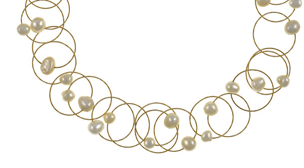 "Zoom on pearls in the Truilli - Pearl Necklace,    36 white freshwater pearls, 7.0-11.0 mm, on individual intertwining shiny textured brass rings,  Pearl necklace can be converted from a 45"" long lariat style necklace to a choker style necklace with the included gold-toned converter"