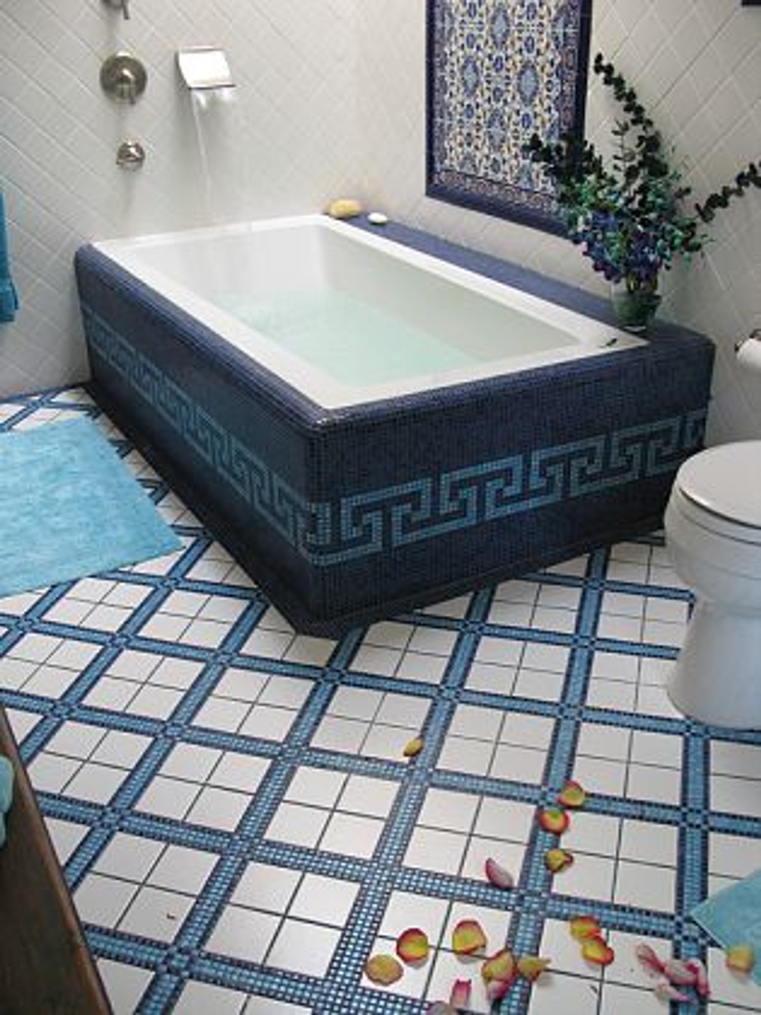 Beautiful ... Elegant Floral Tiles That Make Any Bathroom Wall Look Superb ...