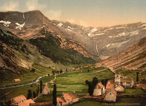 Art Prints of La Cirque, Gavarnie, Pyrenees, France (387585)
