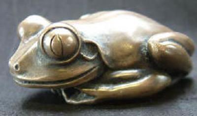 Frog Palm Charm , Bronze - Original Frog
