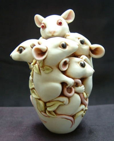 Crystal Mouse, Ivory - Special Moments Series
