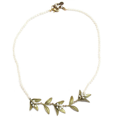 Flowering Myrtle Pearl Contour Necklace