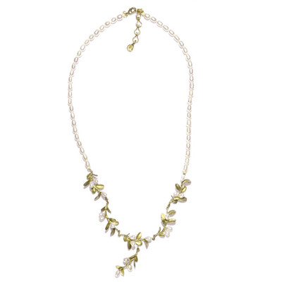 Boxwood Pearl Row Necklace