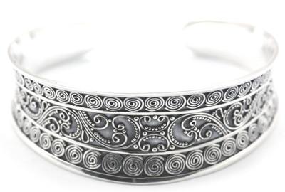 Dewi Concave Filigree Cuff Bracelet