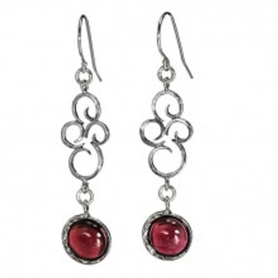 Silver Earrings with Garnet.10 mm.
