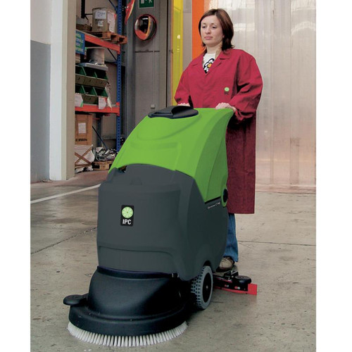 The CT40 Auto Scrubber is Easy to Maneuver!