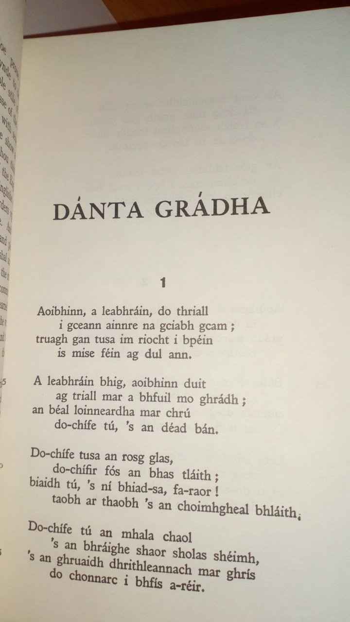 Ó Rathaile, Tomás  & Flower, Robin - Dánta Grádha  1350-1750 - PB Filíocht As Gaeilge