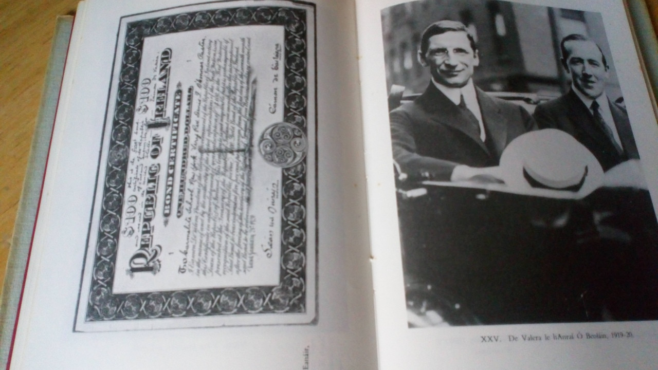 Ó Néill, Tomás & Ó Fiannachta, Pádraig - De Valera Vol 1 Beathfháisnéis - Biography HB 1968 As Gaeilge COPY