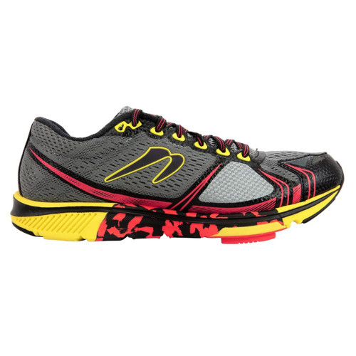 Newton Motion 7 Men Charcoal/Yellow