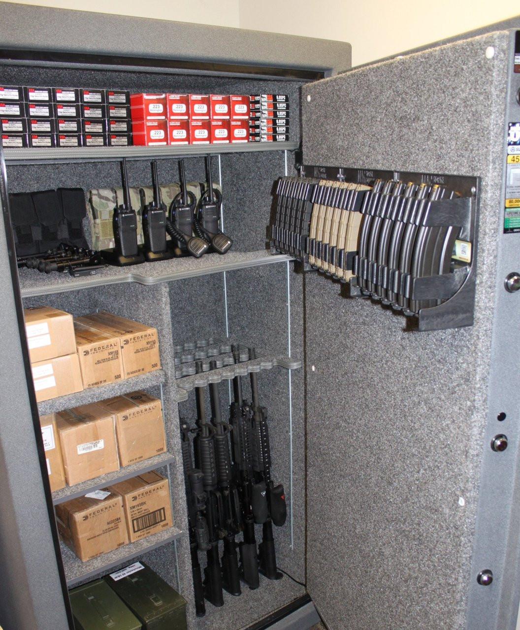 AR-15 Magholder