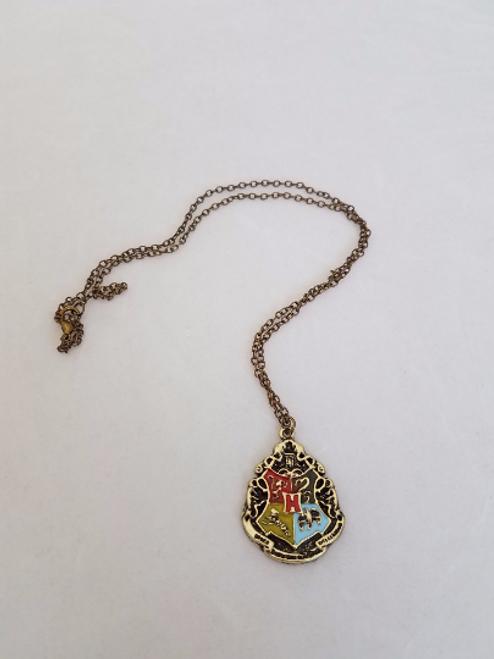 Hogwarts Crest Pendant