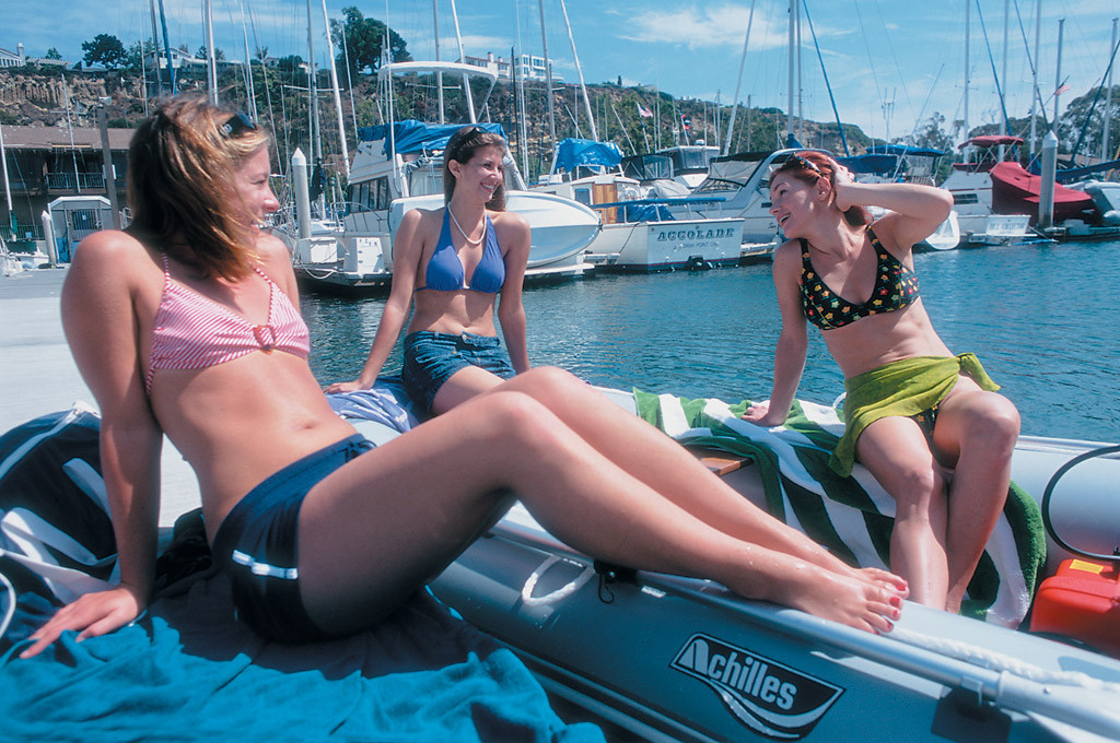 bikini-girl-pictures-inflatable-boats-bizarre-pussy-woman-nud-fuck-pic
