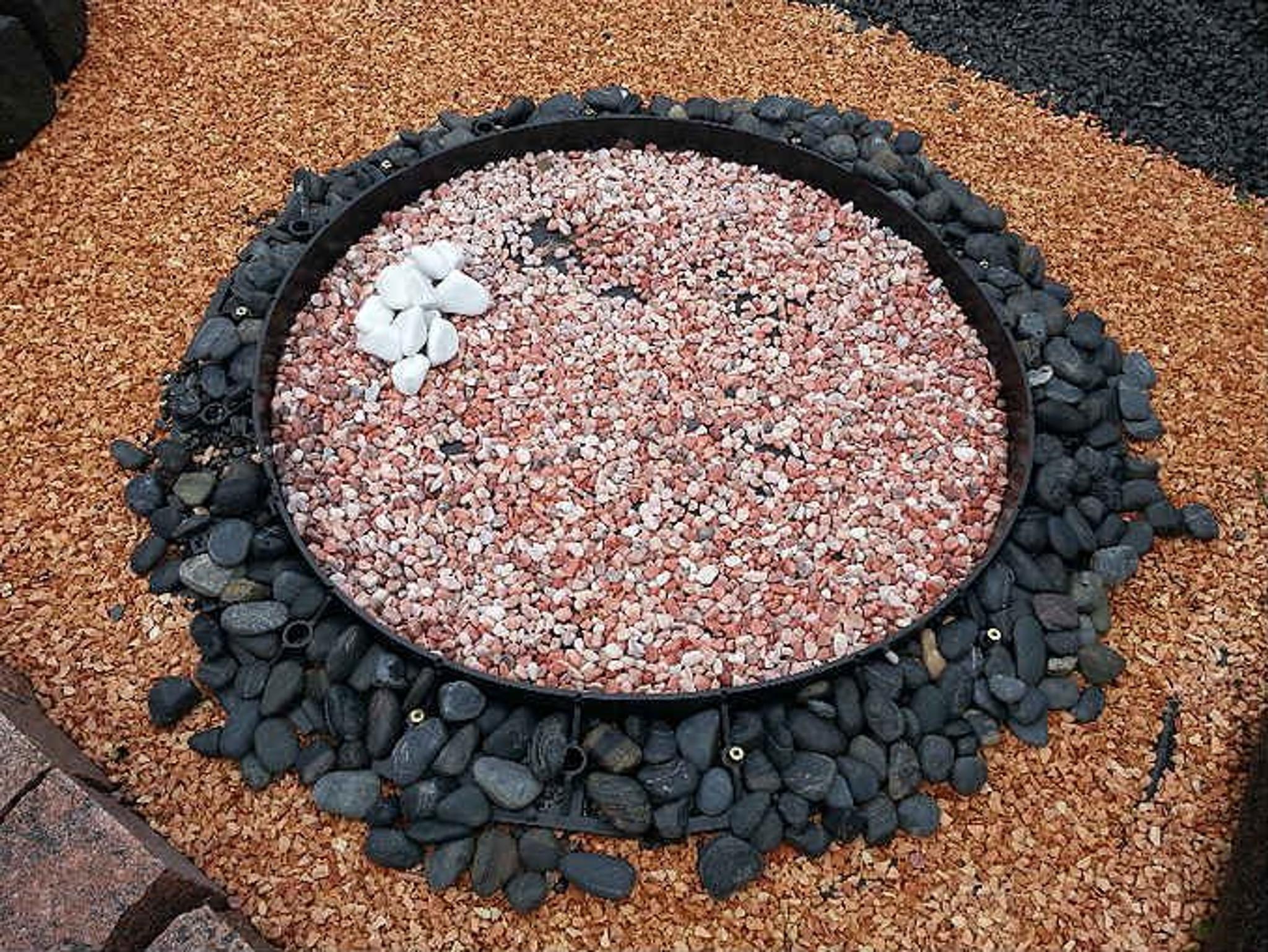 circular plastic lawn edging
