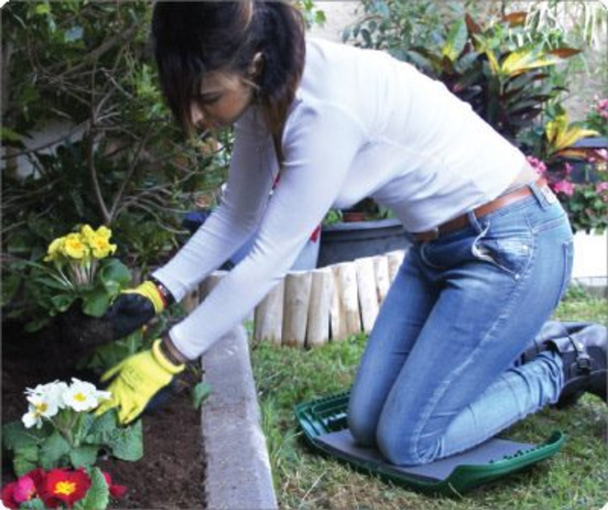 Seat N Roll 3 In 1 Gardening Seat With Wheels A Kneeler