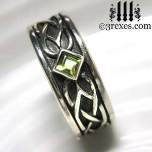 soul-love-anam-gra-mens-silver-celtic-wedding-ring-green-peridot-stone-august-birthstone