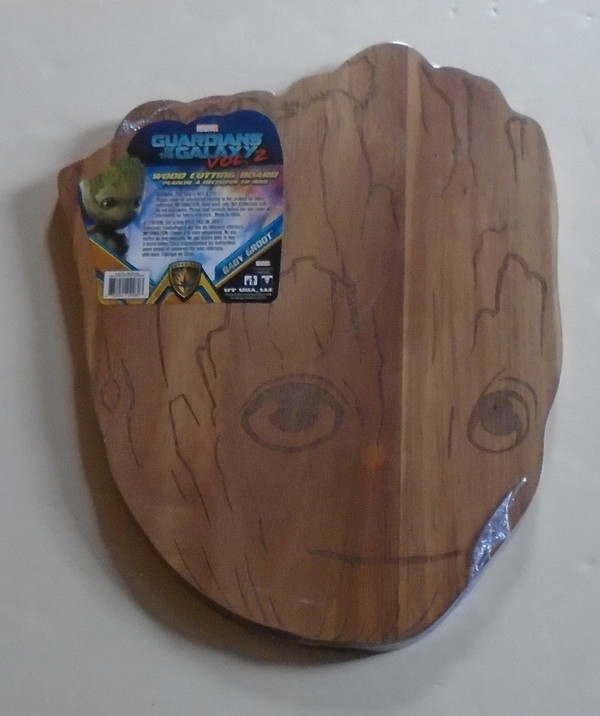 """GUARDIANS OF THE GALAXY VOL. 2 """"BABY GROOT"""" Wood cutting board"""