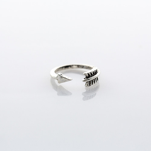 Silver Arrow Midi Ring