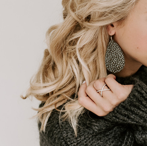 Nickel & Suede Ring | Silver Crisscross