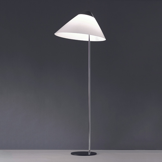 Hans J. Wegner, Opala Maxi Floor Lamp in black/chrome