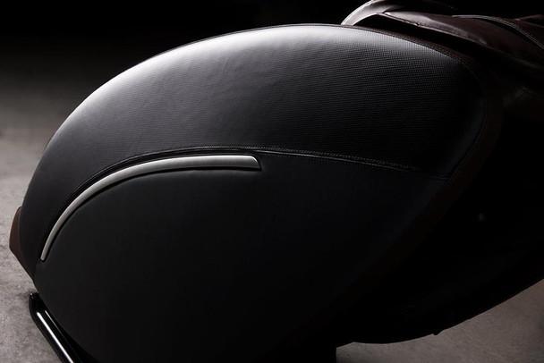 UK-6600 uKnead Legato Massage Chair closeup